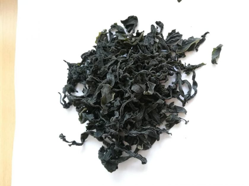 wakame on a plate